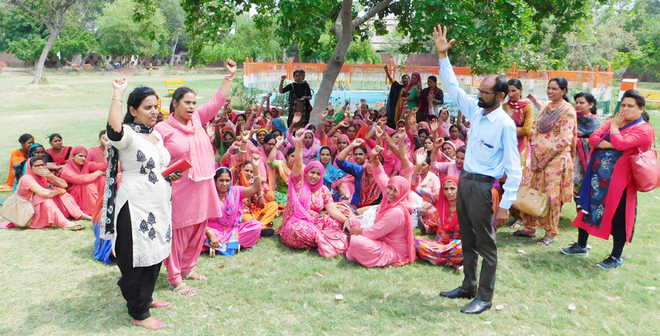 ASHA workers flay govt for not keeping poll promises