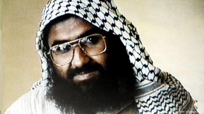pakistan admits masood azhar